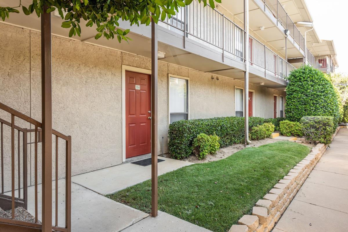 Exterior at Listing #135739
