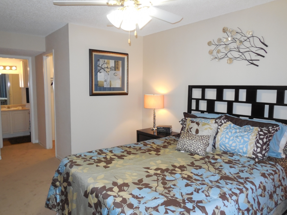 Bedroom at Listing #138580