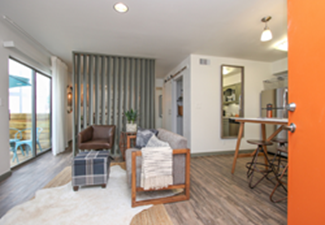 Living at Listing #305615