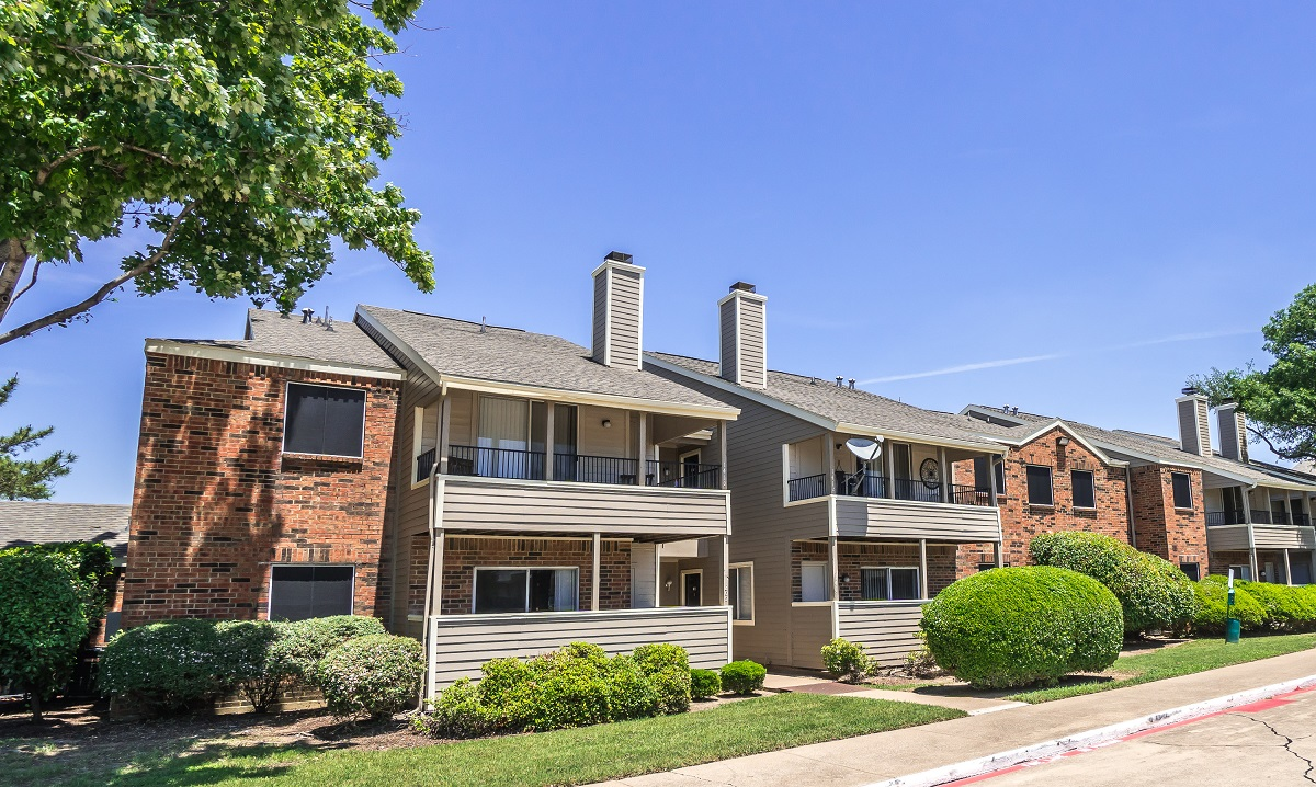 Exterior at Listing #137007