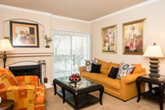 Living at Listing #140599