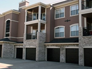 Exterior at Listing #137820