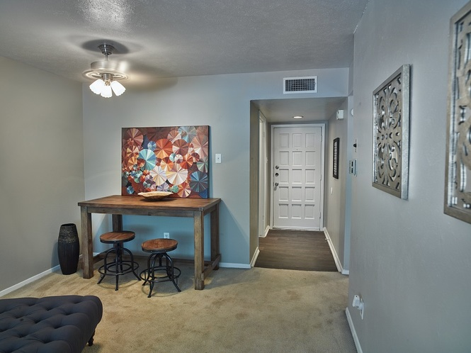 Living at Listing #136412