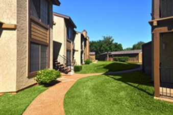 Exterior at Listing #136989