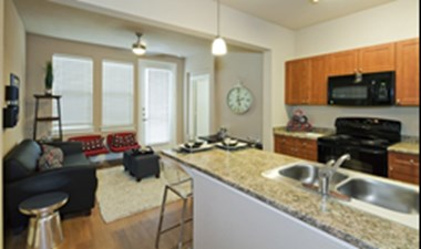 Living/Kitchen at Listing #155262