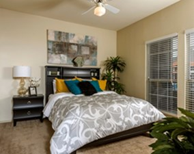 Bedroom at Listing #144043