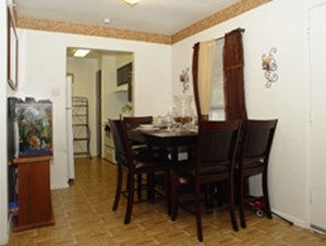 Dining at Listing #283125