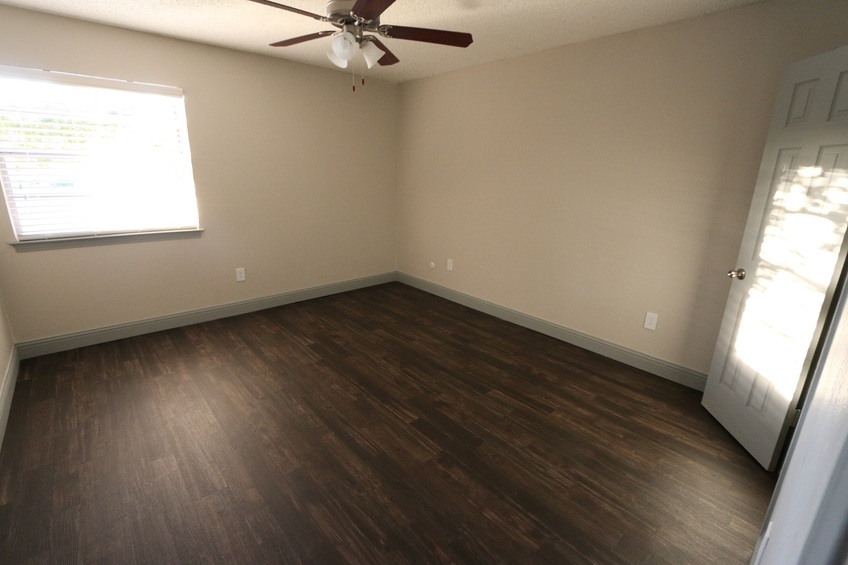 Bedroom at Listing #137191