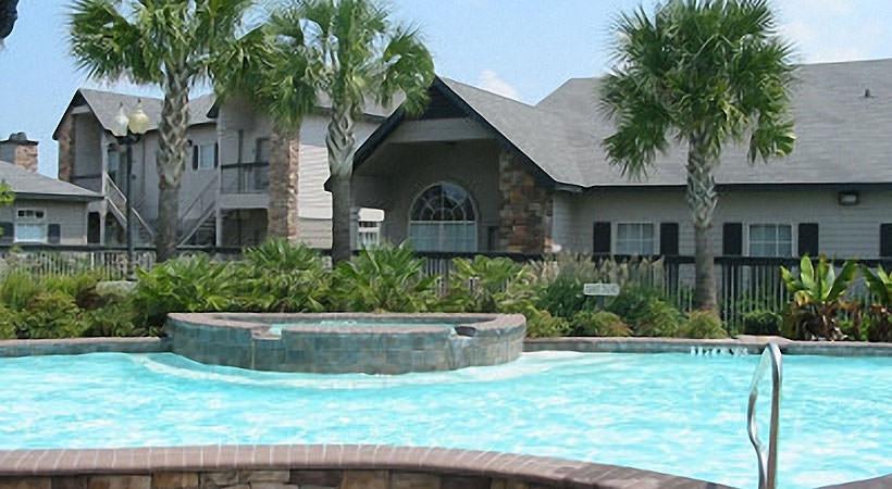 Pool at Listing #144328