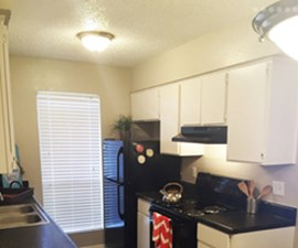 Kitchen at Listing #140283