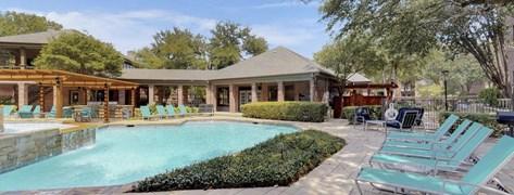 Oaks Hackberry Creek I & II Apartments Irving TX