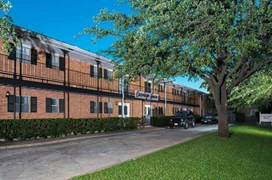 Carriage House Apartments Dallas TX