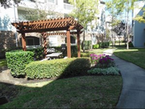 Exterior at Listing #139972
