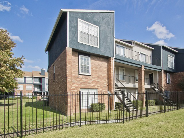 Exterior at Listing #136291