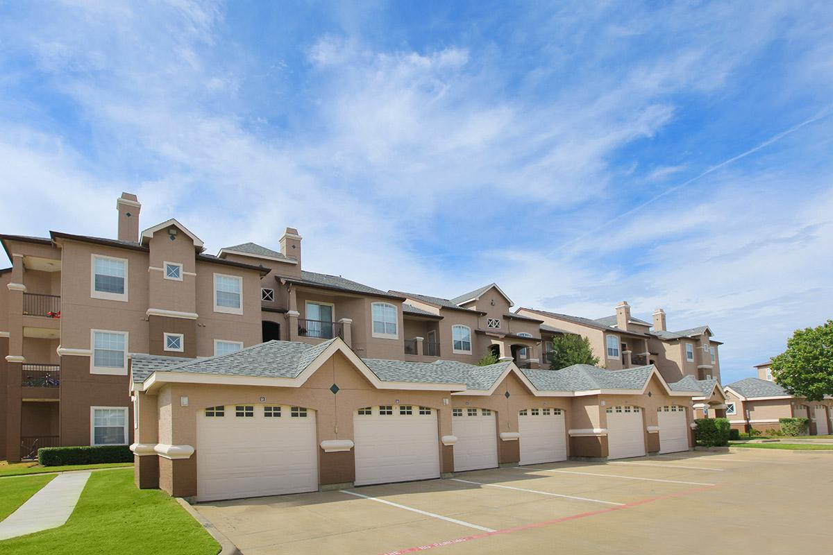 Exterior at Listing #137722
