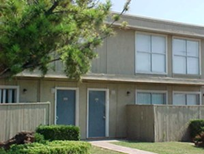 Exterior 3 at Listing #136153