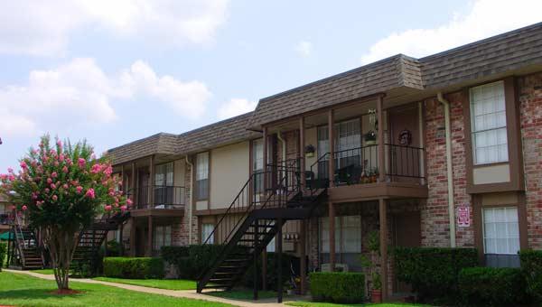 Castlewood Apartments Houston, TX