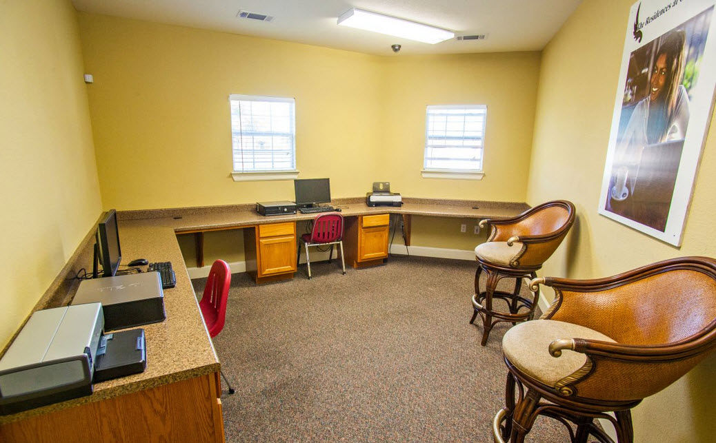 Business Center at Listing #231839