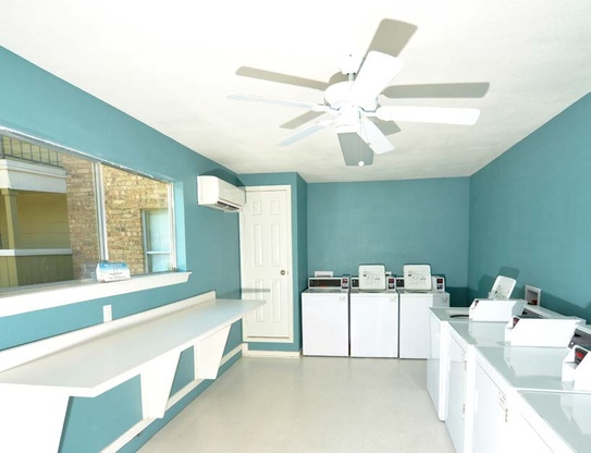 Laundry at Listing #135645