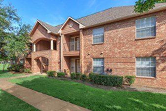 Exterior at Listing #137591