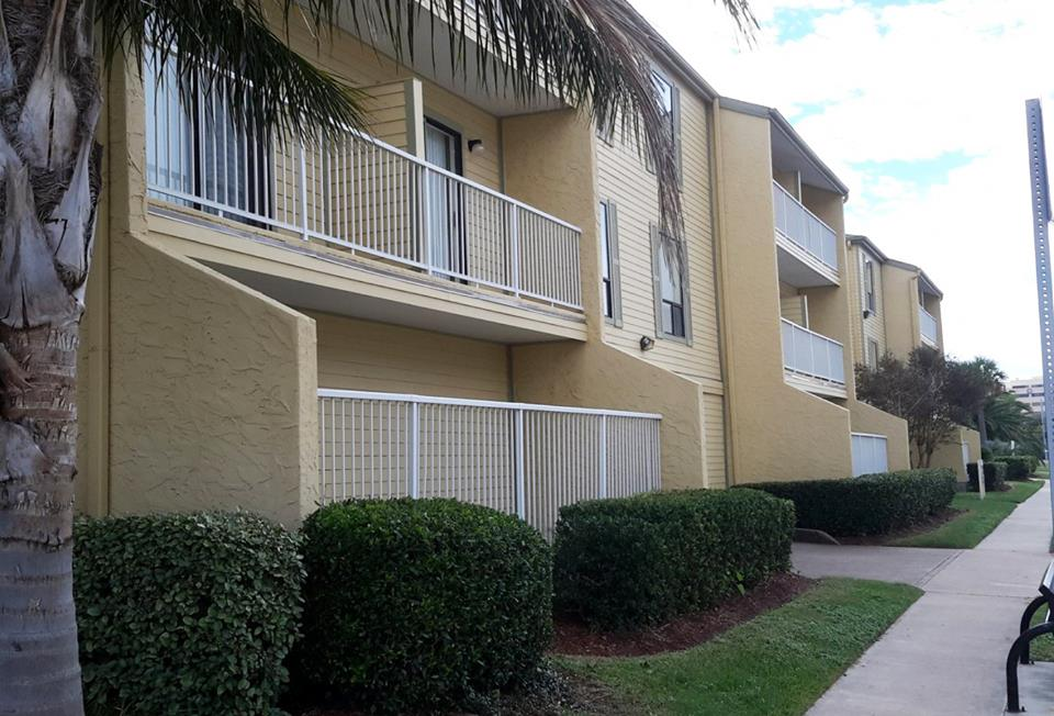 Exterior at Listing #138498