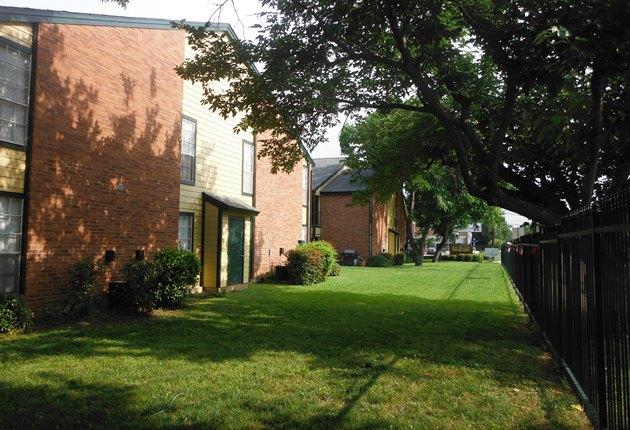 Pecan Square Apartments Arlington TX