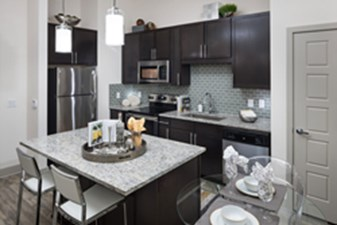 Kitchen at Listing #289800