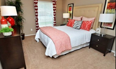 Bedroom at Listing #140032