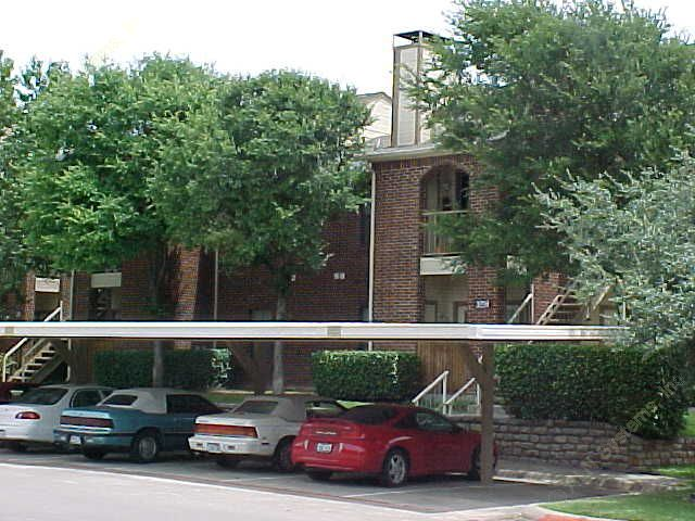 Hulen Heights Apartments