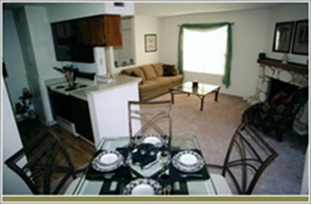 Dining/Kitchen at Listing #140989
