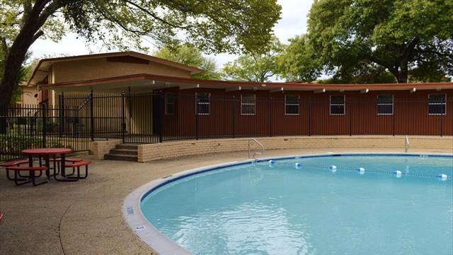 Pool at Listing #136598