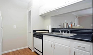 Kitchen at Listing #138980