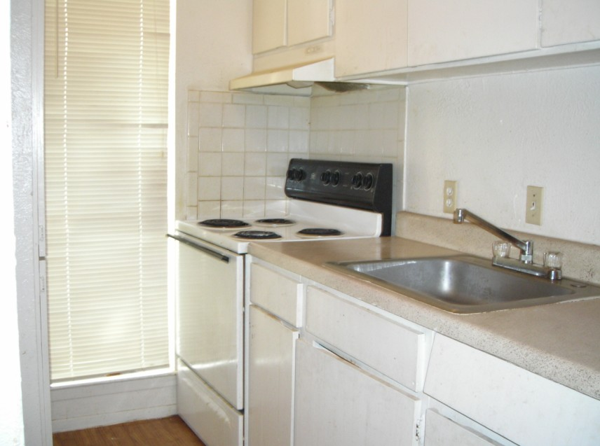 1 Bedroom/Kitchen at Listing #150611