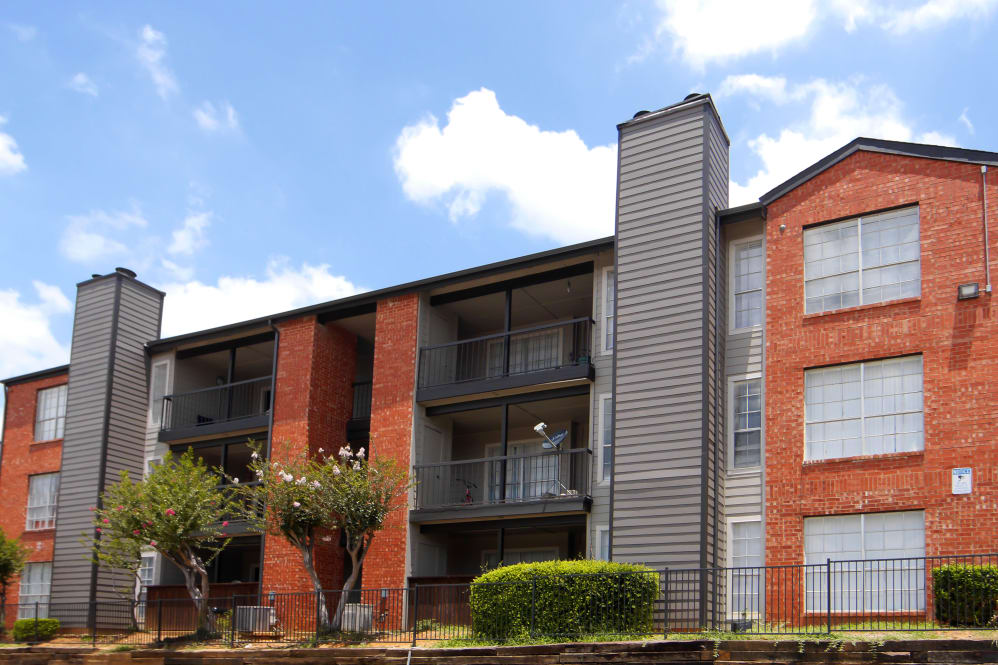 Woodford Ridge Apartments