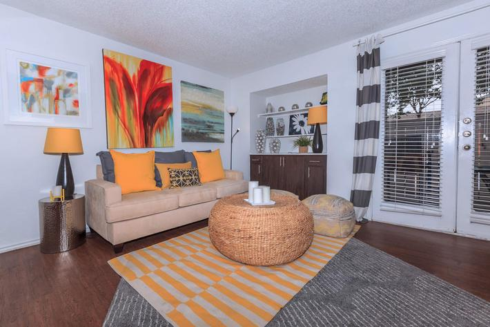 Living at Listing #136851