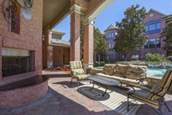 Lounge at Listing #144677