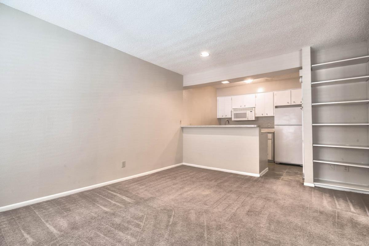 Living at Listing #140925