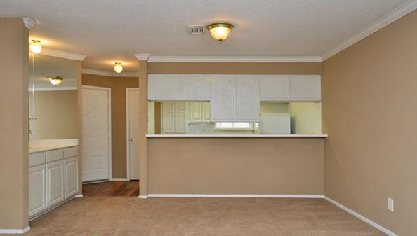 Dining at Listing #138684