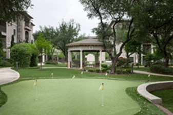 Putting Green at Listing #150584