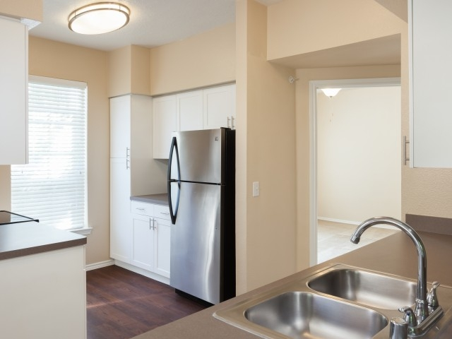 Kitchen at Listing #138552