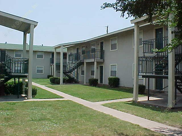 Emerald Run Apartments , TX