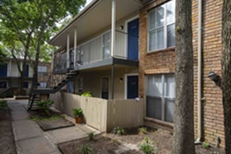 Exterior at Listing #139546