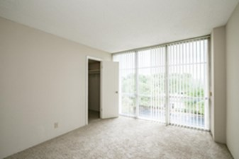 Living at Listing #143386