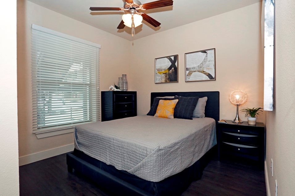Bedroom at Listing #226320