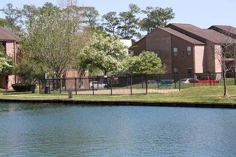 Lakebridge I & II Apartments