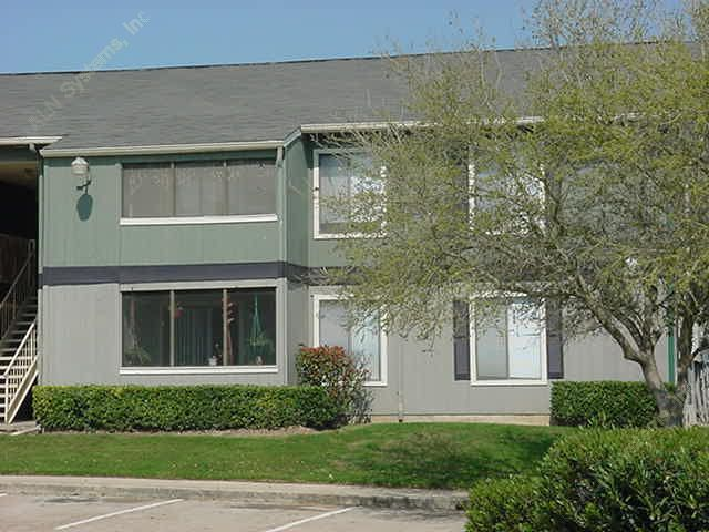 Exterior 3 at Listing #138371