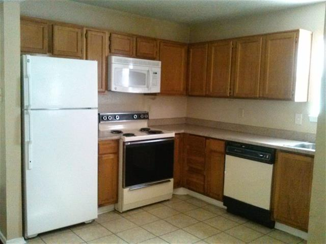 Kitchen at Listing #137214