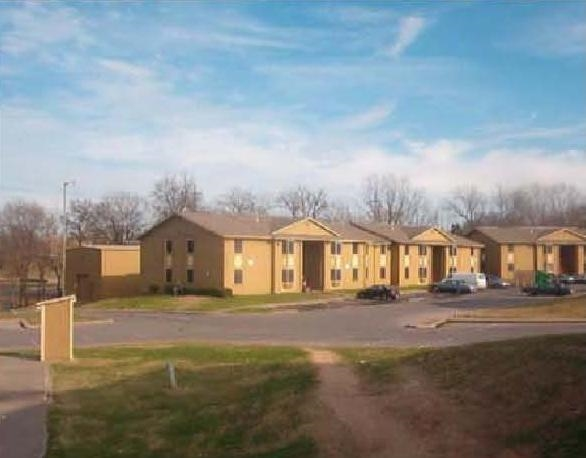 Village Oaks Apartments Dallas, TX