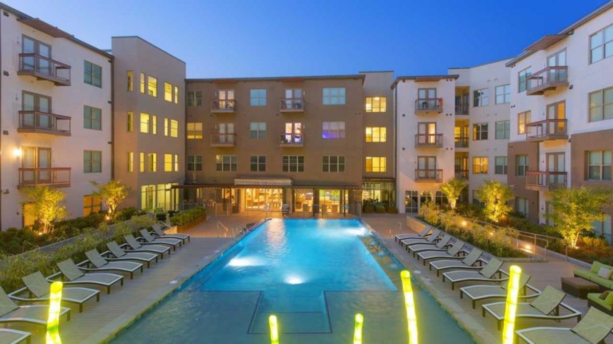 Pool at Listing #147951