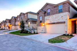 Townes on 10th Apartments Pflugerville TX